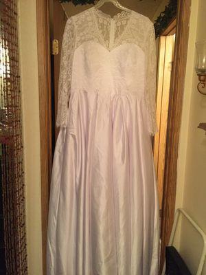 Beautiful White Wedding Dress for Sale in Tacoma, WA