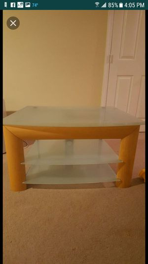 A tv table for Sale in Manassas, VA