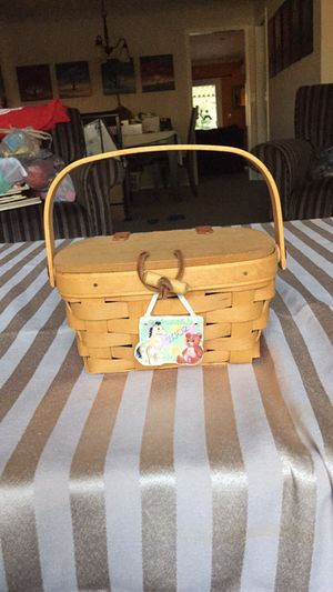 Longaberger picnic style basket purse baby feet with medallion signed 2002 with liner for Sale in Anaheim, CA