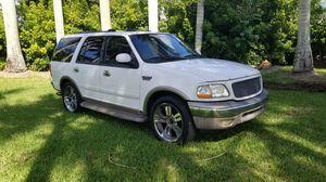 2002 Ford explorer Eddie Bauer for Sale in Miami, FL