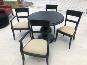Kitchen Table and 4 Chairs. for Sale in Tullahoma, TN