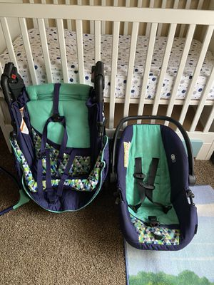 Car seat stroller high chair and diaper bag set for Sale in Southfield, MI