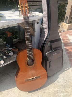 Cordoba C5 guitar w case for Sale in Pomona, CA