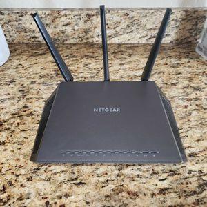 Netgear Nighthawk AC1900 (R7000) WiFi Router for Sale in Glendale, AZ
