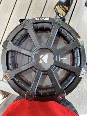 Kicker 10 Inch Loaded Subwoofer Enclosure for Sale in Houston, TX