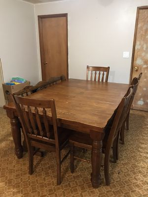 Beautiful wood Kitchen table for Sale in Maple Valley, WA
