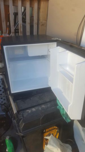 Magic chef mini fridge for Sale in Salt Lake City, UT