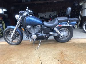 04 Honda shadow 1100 for Sale in Melrose Park, IL