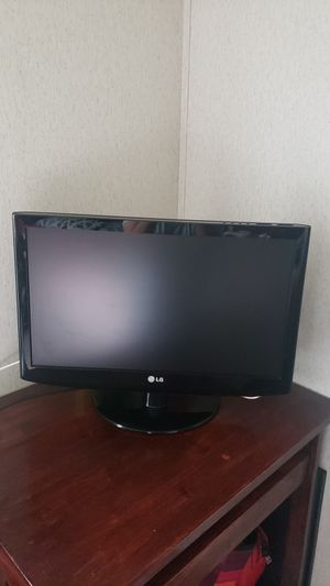 """LG TV 24"""" for Sale in Raleigh, NC"""