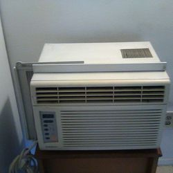 Air Conditioner GoldStar 6,500 BTU for Sale in Cleveland,  OH