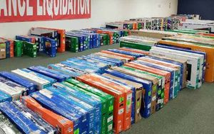 TV warehouse liquidation event !!! New open box!! Act fast! G3J5 for Sale in Webster, TX