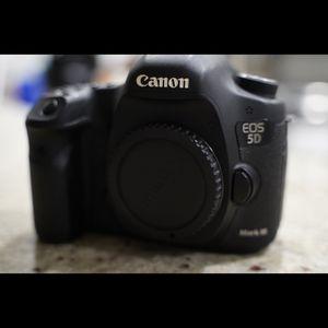 Canon 5d Mark iii for Sale in Miami, FL