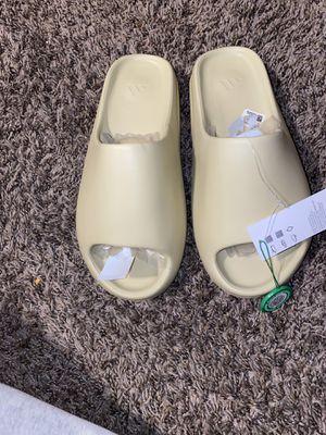 Adidas Yeezy slide for Sale in Hawthorne, CA