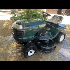 Craftsmen Lawn Tractor for Sale in Perris, CA