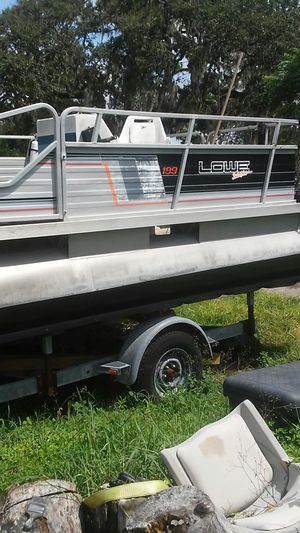 Pontoon boat 19 foot with trailer for Sale in Tarpon Springs, FL