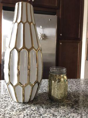 Decorative Vase for Sale in Chula Vista, CA