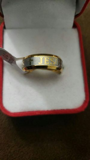 1 Pcs popular silver and gold men ring sizes 10 for Sale in March Air Reserve Base, CA