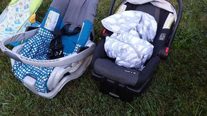 Baby car seats $30 for both for Sale in Christiansburg, VA