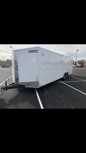 Discovery 2020 8.5x28 Enclosed trailer for Sale in Chicago, IL
