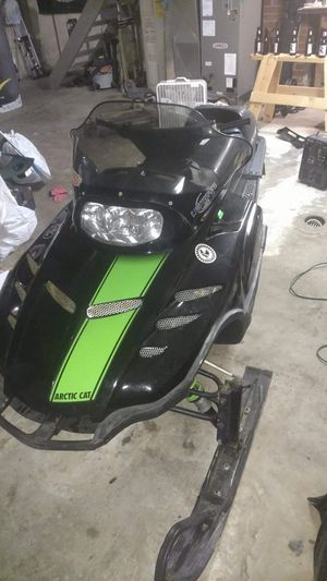 Snowmobile trade for small camper or pop up. 1998 zl 440 Arctic cat for Sale in Wakeman, OH