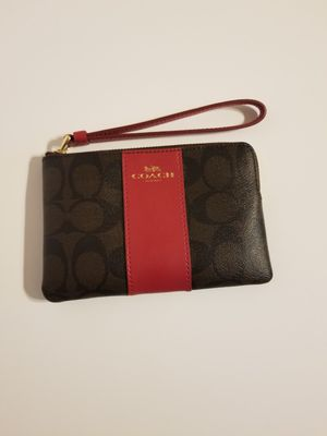 NEW WITH TAGS COACH WRISTLET! BROWN AND RED WITH GOLD HARDWARE! for Sale in Garland, TX