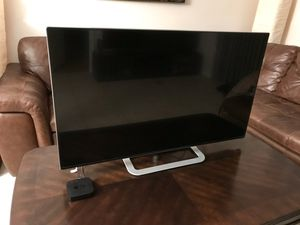 "42"" Vizio M-series smart tv with AppleTV for Sale in Fort Lauderdale, FL"