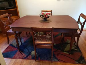 Dining table with 5chairs for Sale in Cleveland, OH
