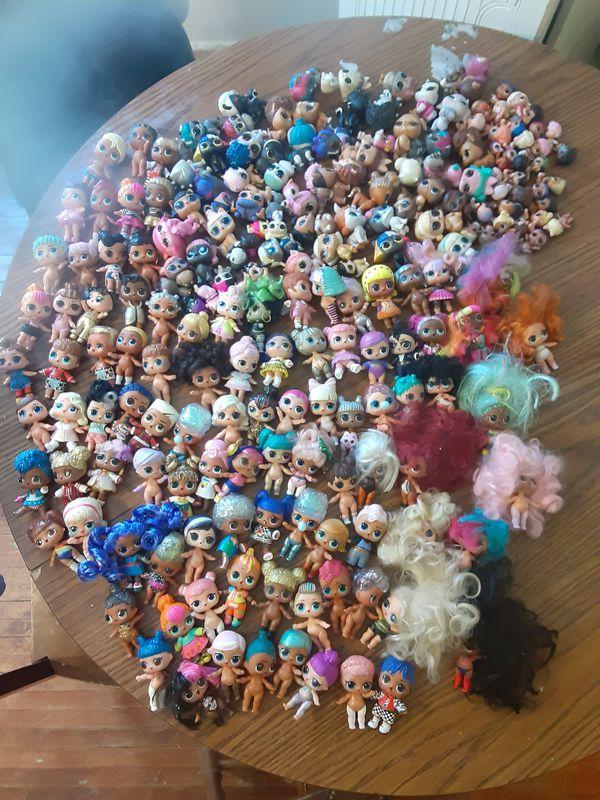 Tons of lol dolls