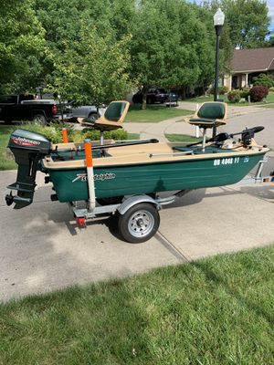 Sun Dolphin Bass Boat for Sale in Maineville, OH