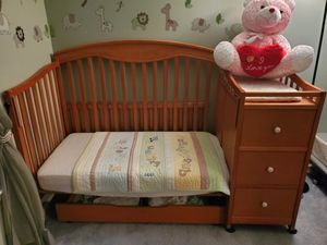 Solid Pine 3 n 1 Baby Crib to toddler bed for Sale in Cedar Brook, NJ