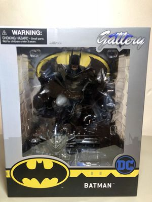 Batman DC Comics Gallery Statue Collectible for Sale in Long Beach, CA
