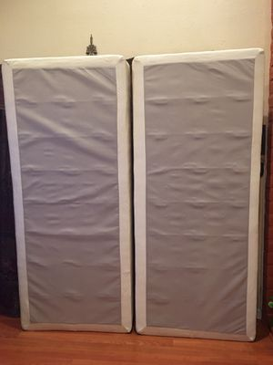Cal king box spring for Sale in Fremont, CA