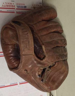 ⚾️⚾️Billy Martin Wilson baseball ⚾️ glove model A2190 ⚾️ for Sale in Berkeley, CA