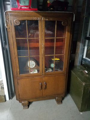 ANTIQUE CHINA CABINET. for Sale in Peoria, AZ