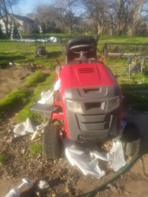 Snapper riding lawnmower 400motor works belt broken for Sale in Fort Worth, TX