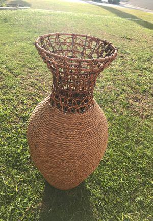 Woven Flower vase for Sale in Arvin, CA