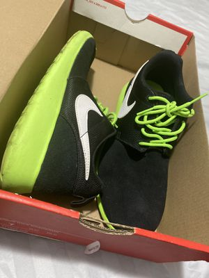 Roshe Nike for Sale in Cleveland, OH