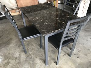 Kitchen table *Need gone for Sale in Fullerton, CA