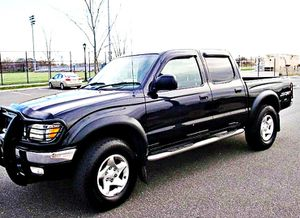 ֆ14OO 4WD Toyota Tacoma 4WD for Sale in Joint Base Lewis-McChord, WA