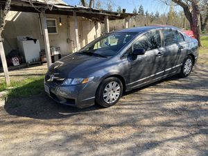 2010 Honda Civic salvage title for Sale in Escalon, CA