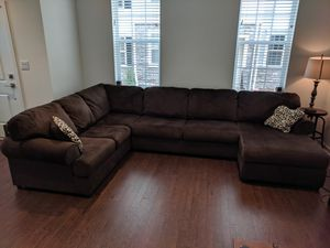 Jessa Place 3-Piece Sectional w/ Chaise Couch for Sale in Horsham, PA