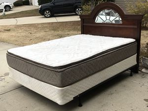 Queen Bed with Headboard, Mattress, boxspring and Rail. Very good condition. Hablar espanol for Sale in Raleigh, NC
