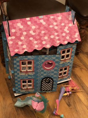 Doll house and toys for Sale in Fontana, CA