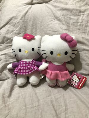 2 mini hello kitty plushies for Sale in Alhambra, CA