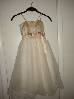 Size 4t David's bridal flower girl dress for Sale in Erial, NJ