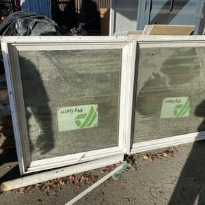 Free Window 35x71 for Sale in Los Angeles, CA