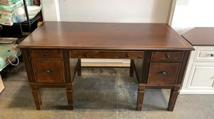 NEW Signature Design by Ashley Title: Large home office Desk for Sale in Hilliard, OH