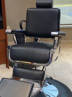 Pure Sana Barber Chair for Sale in Sterling,  VA