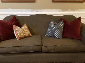 Beautiful Couch And Loveseat for Sale in Auburn,  WA
