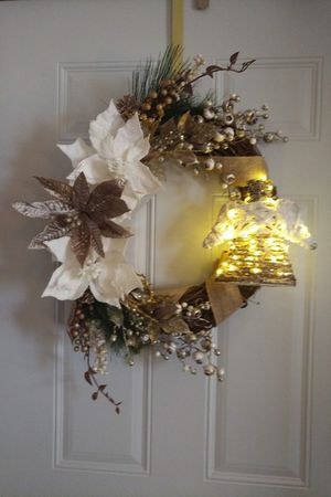 Christmas Angel wreath with lights for Sale in Rhinelander, WI